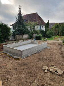 Der Kran steht nicht für die Friedhofbaustelle